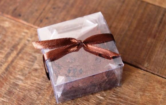 Brownie grande (tamanho 5x5 cm) cx de acetato
